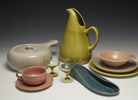 Russel Wright dinnerware, various colors