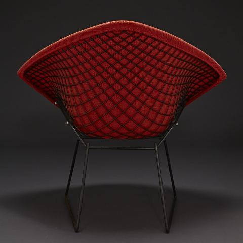 back view of Diamond shaped chari, red with black metal frame